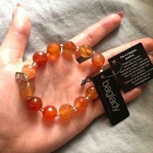 As fint armband från baglady! Den är handgjord och i väldigt bra skick 😻😻  100 kr + frakt (10kr)