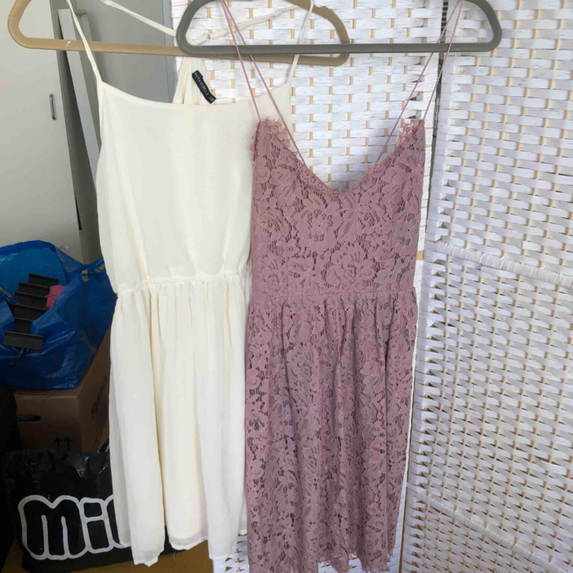 Vit/cremefärgad klänning från rut & circle: strl 38, 60kr Lila klänning från Nelly: strl 38, 100kr. Klänningar.
