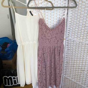 Vit/cremefärgad klänning från rut & circle: strl 38, 60kr Lila klänning från Nelly: strl 38, 100kr