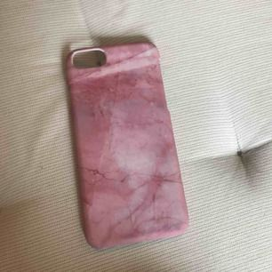 iPhone 7/8/6 org pris 150kr magnet skal sitter bättre än ideal of sweden skal