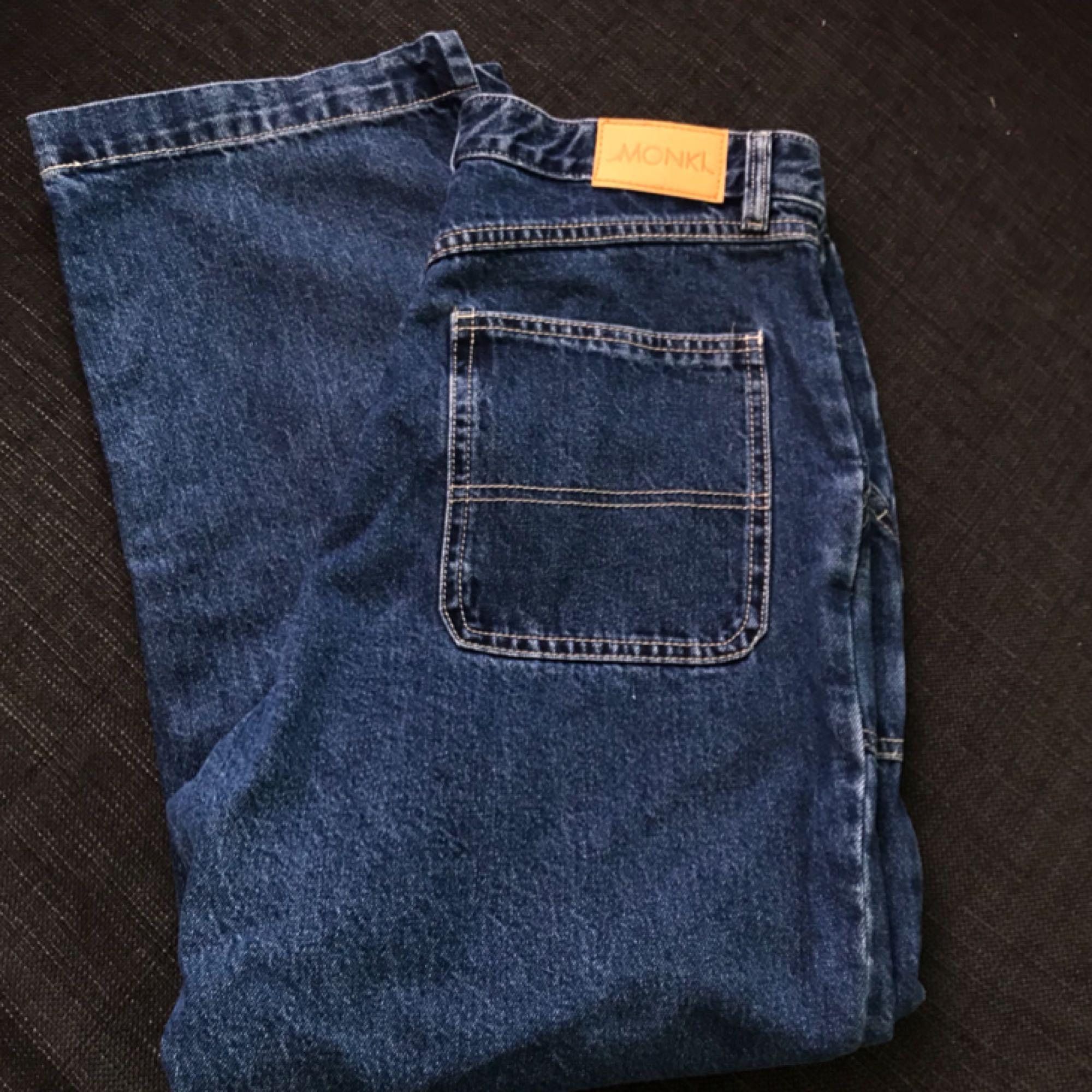 Rio Jeans från Monki, endast testade. Frakt tillkommer på 54kr . Jeans & Byxor.