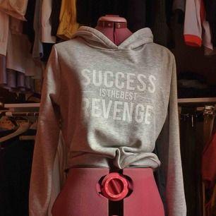 Hoodie från Gina i mjukt tyg. #hoodie
