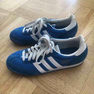 🐲 Adidas Dragon sneakers! Knappt använda, frakt tillkommer 🐉