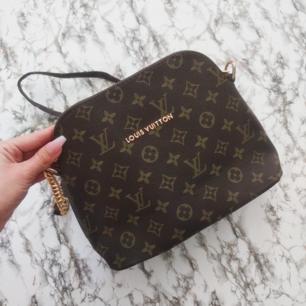 Fake Louis Vuitton , har inte kommit till användning tyvärr den är inte min typ😅
