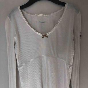 Odd Molly tröja, tar bara plats i garderoben men super fin! Köparen står för frakt
