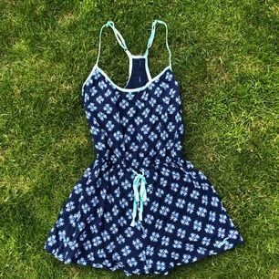 Jättefin strandklänning/sommarklänning! Frakt är inkluderat redan i priset!