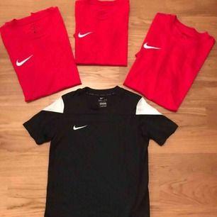 ÄKTA Nike tröjor Stl: S,M,L Nya. Finns i Älvsjö, City, skickas. 60kr per styck!