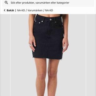 En helt oanvänd kjol från na-kd, tom lappen sitter kvar! Säljer den pga att den var lite för liten för mig o har redan hunnit slänga alla retur lappar<3 frakt tillkommer