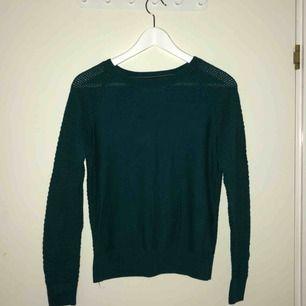 Stickad jätte fin grön tröja 75kr + pp 56kr