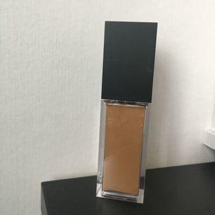 Endast testad foundation från Make up store🌸 Sculpt excellence cinnaman.