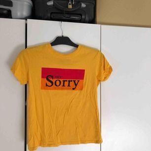 T-shirt från Bershka. Storlek XS men passar även S.
