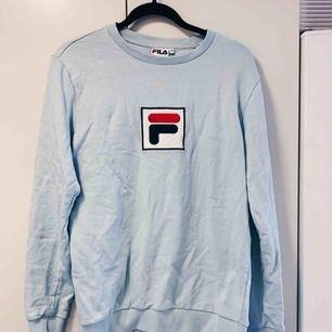 Sweater FILA stl M. Använd endast en gång. Kan skickas 💕💕