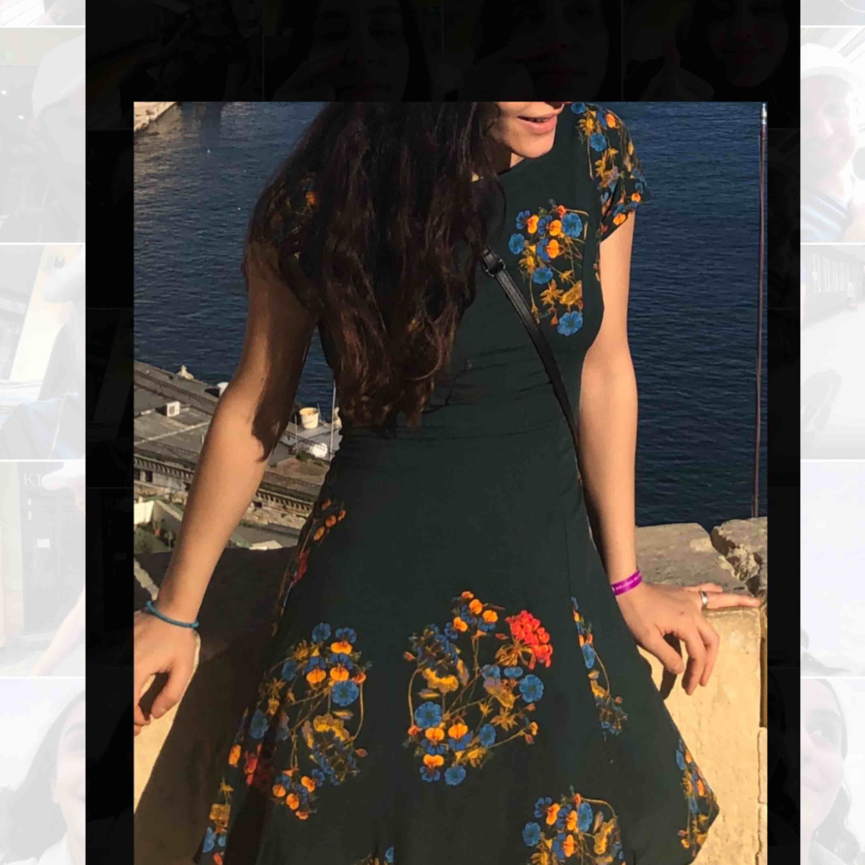Otroligt fin klänning från weekday. Använd 1 gång. Klänningar.