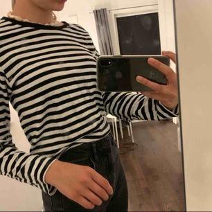 Trendig asnajs tröja ifrån Monki! Så skönt material måste jag säga! Fraktar endast, 55kr