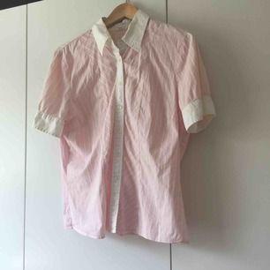 skjorta från stockh lm. frakt 9kr.