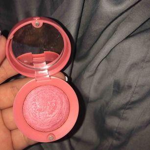 Rouge/blush ifrån bourjois Paris, endast testat. Färgen 54 rose frisson