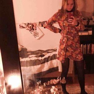 Min favoritklänning!!! Världens finaste och skönaste verkligen🥺 men när jag skulle sätta på mig den nu i veckan var den för liten😭😭  Hoppas den hittar en ny ägare som älskar den lika mycket som jag!