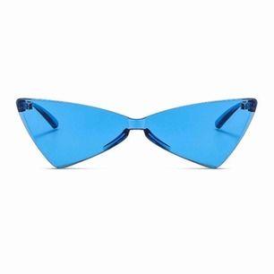 Oversized sunglasses made from recycled materials.  Köp dem i våran webbutik www.throwingshades.se  Fri frakt och retur 💕