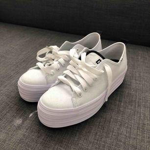 Helt nya Keds-skor. 🔥 Mötas upp i Stockholm! Tar swish. 🌻