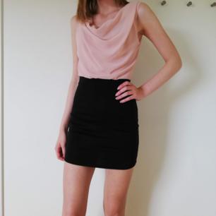 Frakt ingår🌹festligt fin klänning köpt från JC ~skriv vid frågor