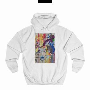 Säljer den här populära hoodien. Den kommer tyvärr inte till så mkt användning. Skriv privat för egna bilder eller vid frågor ❤️ frakt ingår i priset!