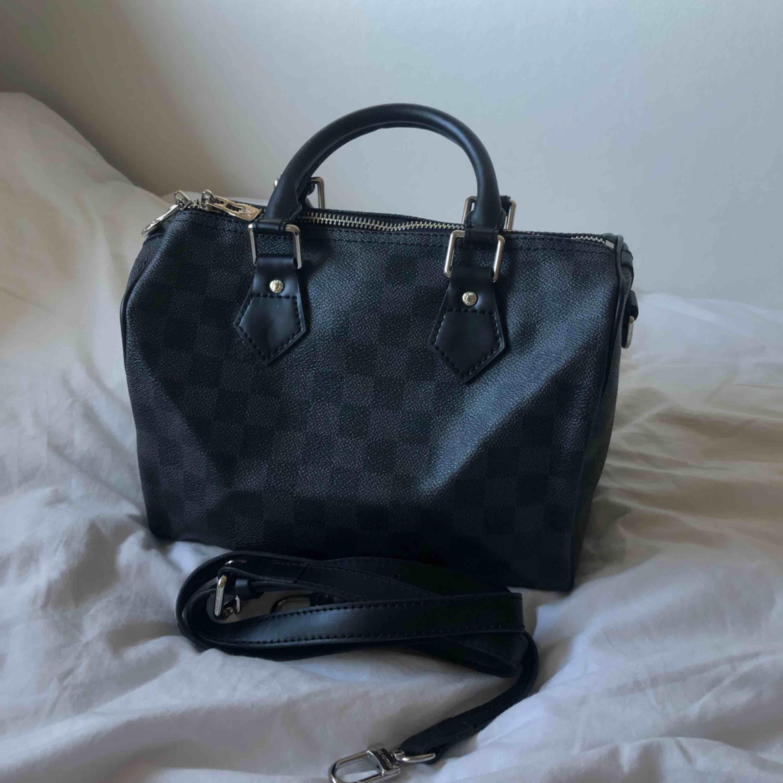 Louis Vuitton kopia! Speedy modellen.  Swish 250kr. Väskor.