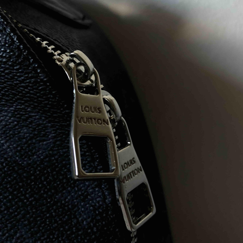 Louis Vuitton ryggsäck KOPIA.  . Väskor.