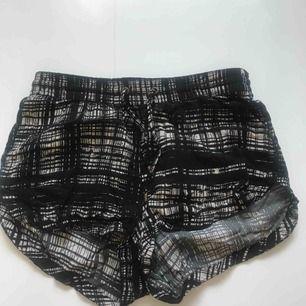 Sköna luftiga shorts från Vero Moda