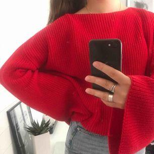 Röd stickad tröja från Nakd