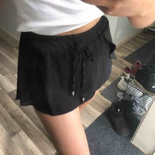 Perfekta shortsen som ser ut som en kjol, perfekt skick! 50 kr frakt