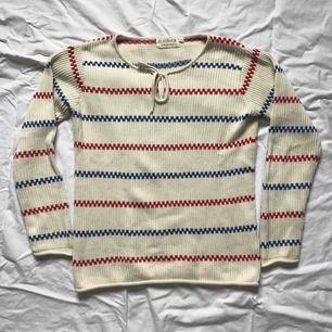 """Somrig """"Pippi Långstrump-tröja"""". Sparsamt använd och därmed i gott skick. Storlek S."""