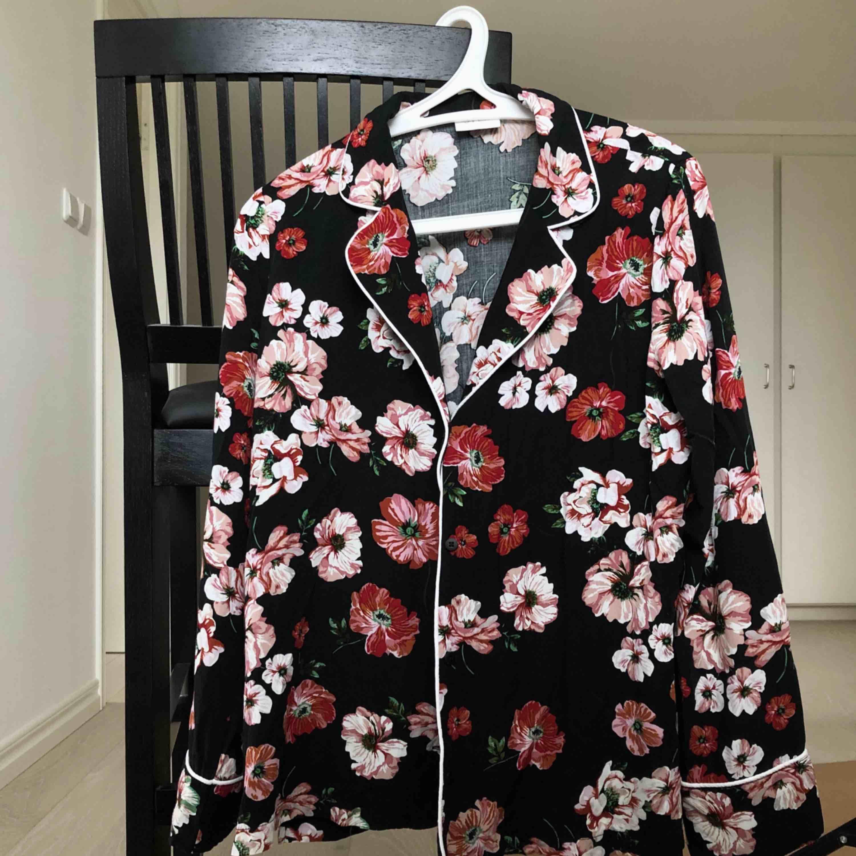 Blus/skjorta från Vila! Frakt endast 30 kr <3. Blusar.