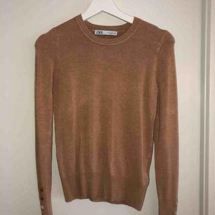 Stickad fin tröja från Zara, aldrig kommit till användning tyvärr.