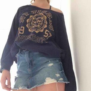 Härlig tröja från Gina tricot, sitter oversized på en S, frakt tillkommer
