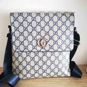 Gucci väska kopia. Helt oanvänd!