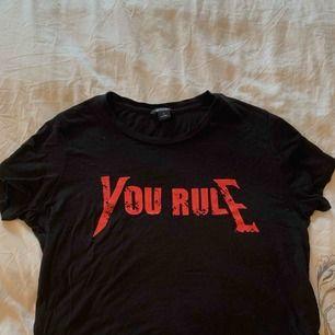 Skön och edgy T-shirt från Monki :)