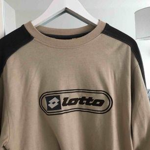 oversize tröja från secondhand