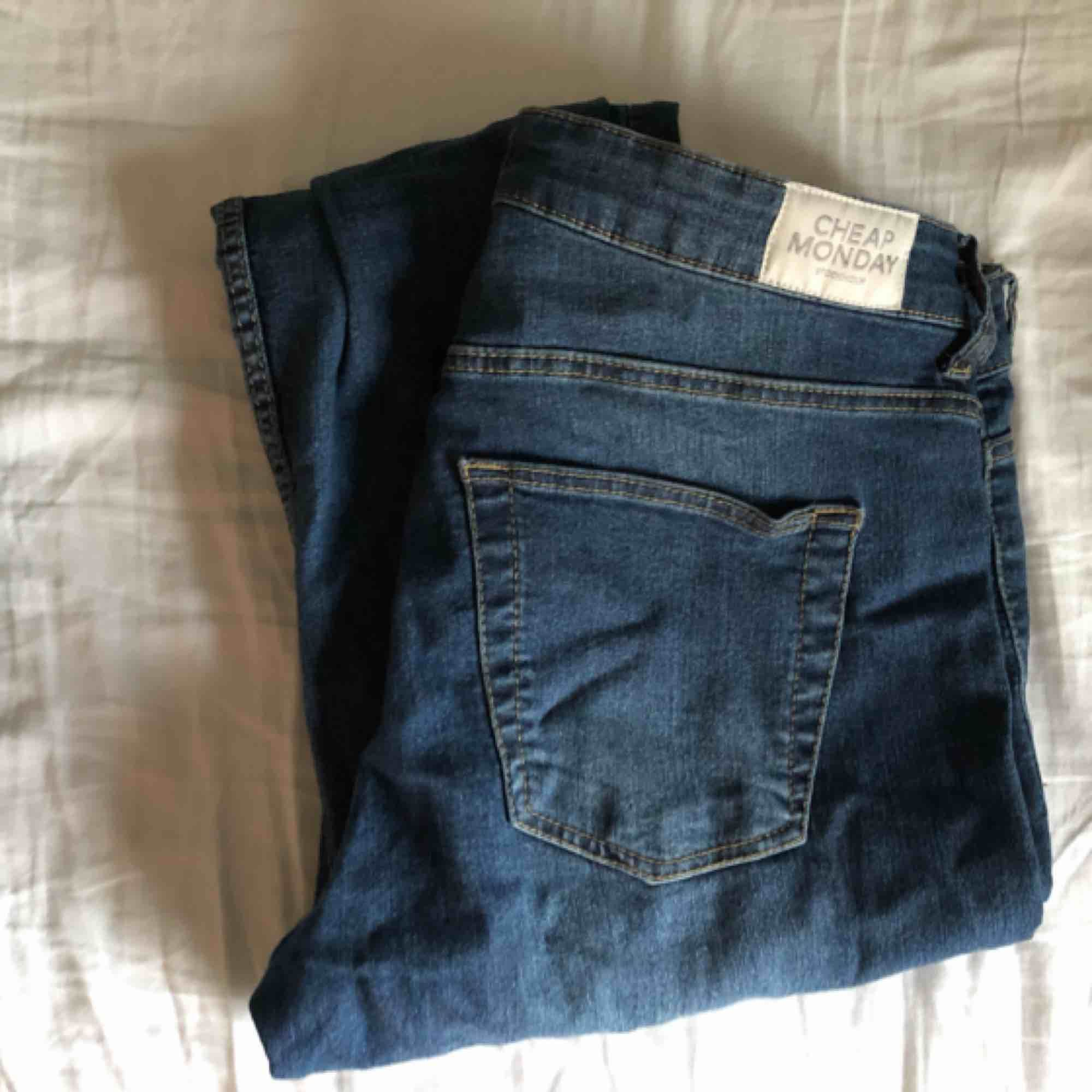 Blå stretch-jeans från cheap monday. Jeans & Byxor.