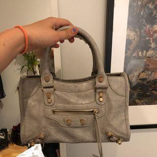 Balenciaga inspirerad väska, som ny. Identisk med den riktiga väskan