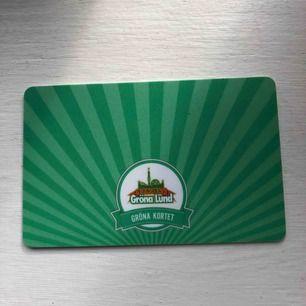 Ett oregistrerat grönt kort som gäller hela säsongen. Med det gröna kortet får man fritt inträde och nypriset är 290kr