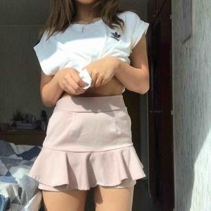 Ljusrosa kjol! Använd inte så ofta. Ta bara Swish och du stå för frakten