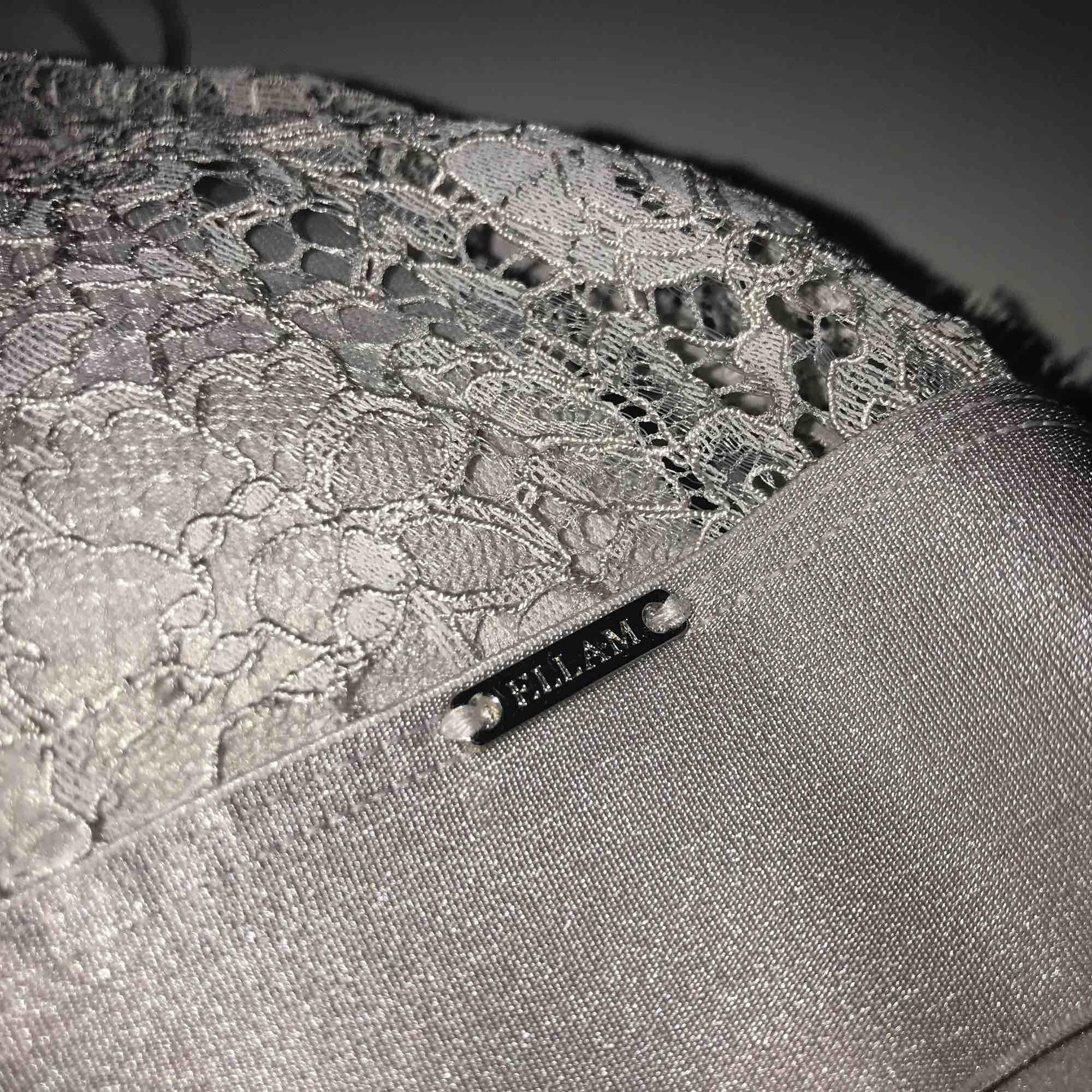 Jätte skön och snygg bralett från Lindex märke Ella M. Säljer pga för liten. Använd 1 gång. Kostar 249kr ny. . Övrigt.