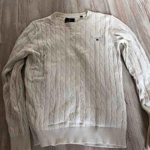 Säljer min Gant tröja. Köpt på Nacka Forum för 1299:-.