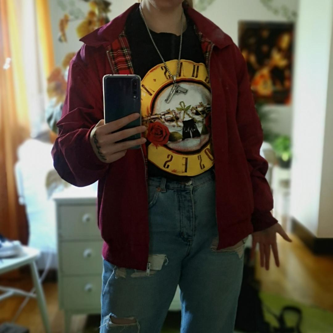 En av mina favorit jackor, men jag använder den inte lika ofta som min svarta.. :[ frakt 75kr. Perfekt för höst, vår och kallare sommardagar.. T-shirts.