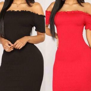 Två off shoulder klänningar från fashion Nova  Storlek Xs Inte använda