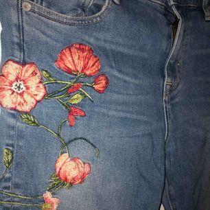 Jättefina bootcut jeans från Crocker, använda 1 gång.