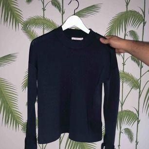 Jättefin tröja från Wera. Använd 1 gång.   Köparen står för frakten.🌸