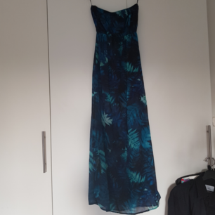 Långklänning med slits Använd 1 gång