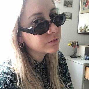 Vintage solglasögon 90-tal. Frakt 18 kronor.