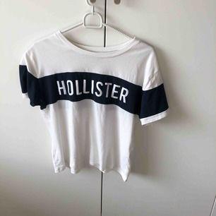 Säljer min nya Hollister t-shirt! Köparen står för frakt!